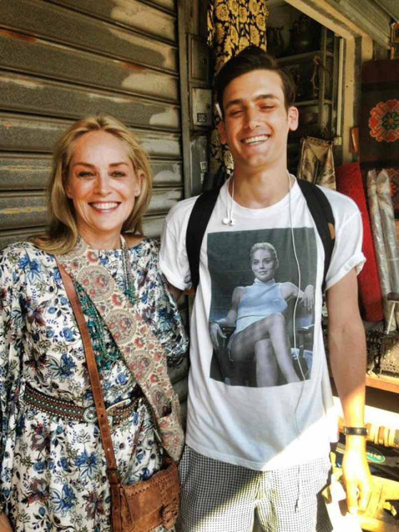 When Sharon Stone Finds You Wearing 'Basic Instinct' Tee-15 People Who Had The Perfect Shirt For The Moment