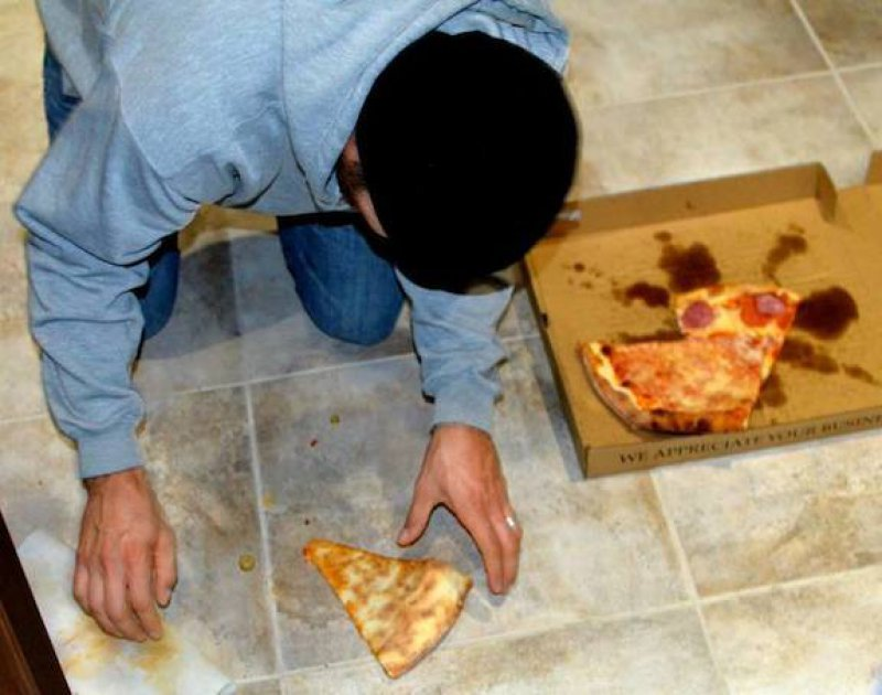 That's horrible-15 Fast Food Confessions That Will Make You Gross Out
