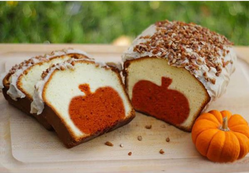 Pumpkin Pound Cake-15 Funniest Halloween Recipe Fails