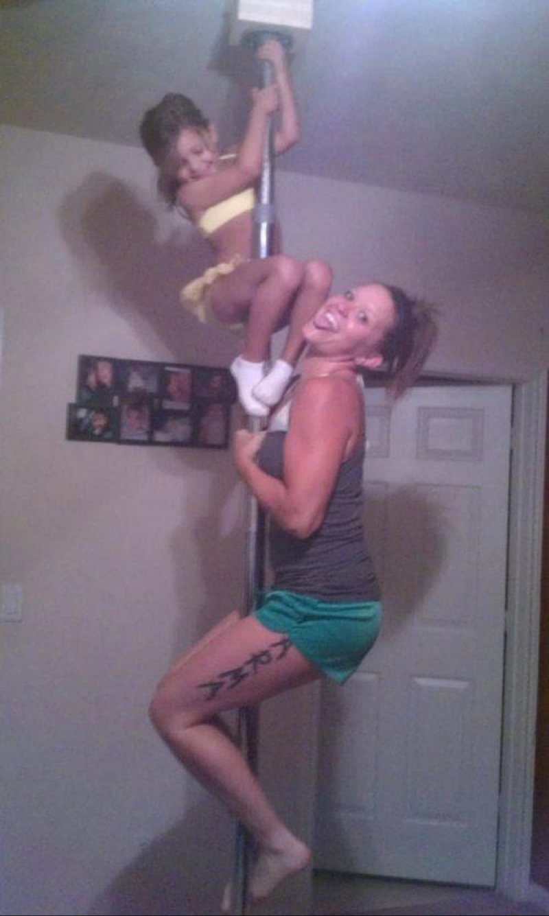 The Mom Who Wasn't a Great Role Model-15 Images That Show Parenting Isn't Meant For Everyone