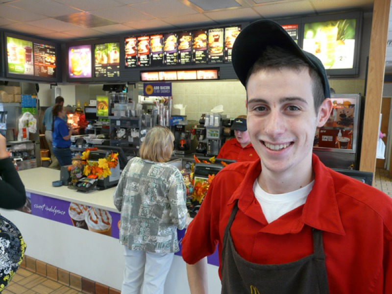 They are Usually Careful with Your Food-15 McDonald's Secrets Their Employees Are Hiding From You