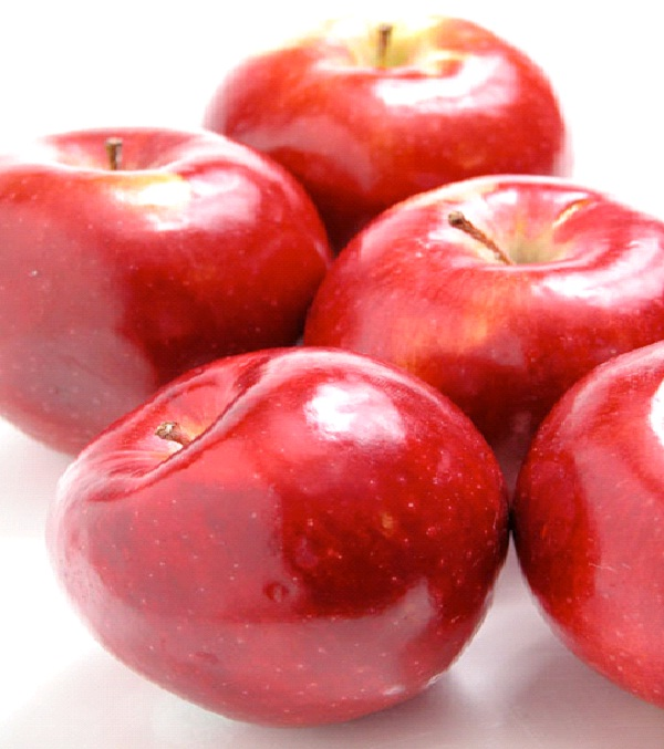 Red Skinned Fruit-Foods That Cause Headache