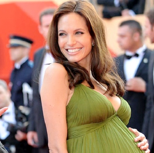 Angelina Jolie-Hottest Pregnant Women Ever