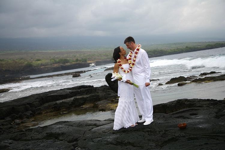 Pu'uhonua o Honaunau, Big Island-24 Most Beautiful Wedding Locations In Hawaii