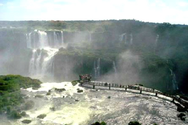 Suspended Platform At Iguazu Falls - Brazil And Argentina-Best Skywalks In The World