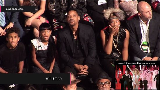 Most Disgusted Look!-Disgusting VMA Photos Ever