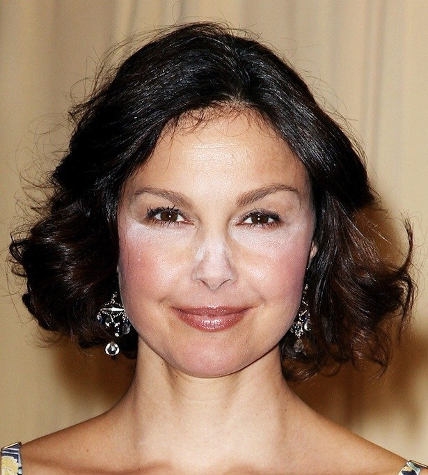 Ashley Judd-15 Worst Celebrity Makeup Disasters Ever