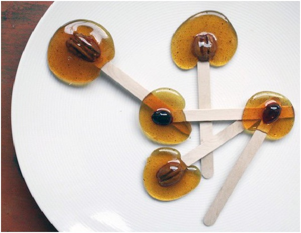 Caramel Lollipops-Delicious Halloween Recipes