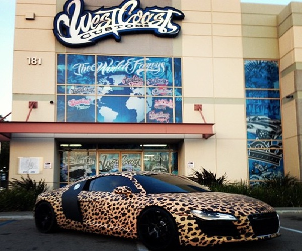 A leopard print car-Reasons Why Justin Bieber Is A Douchebag