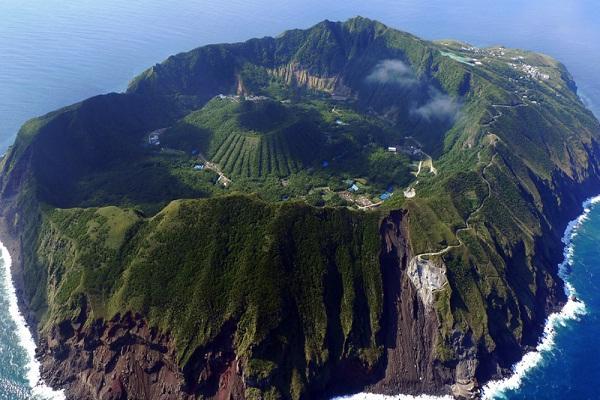 Aogashima-Amazing Landscapes Around The World
