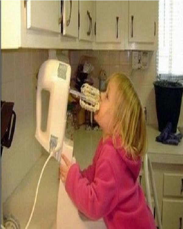 Baby Licks Electric Blender-Worst Parenting Fails