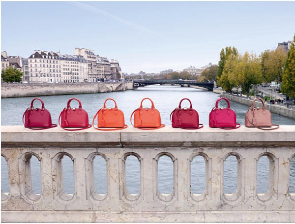 Purses And Handbags-Most Common Things Women Love To Have/Spend Upon