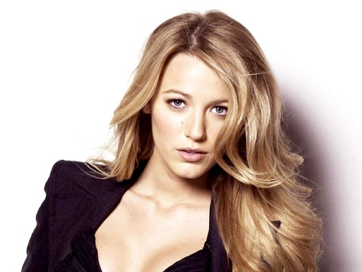 Blake Lively-Celebrities Who Don't Drink At All