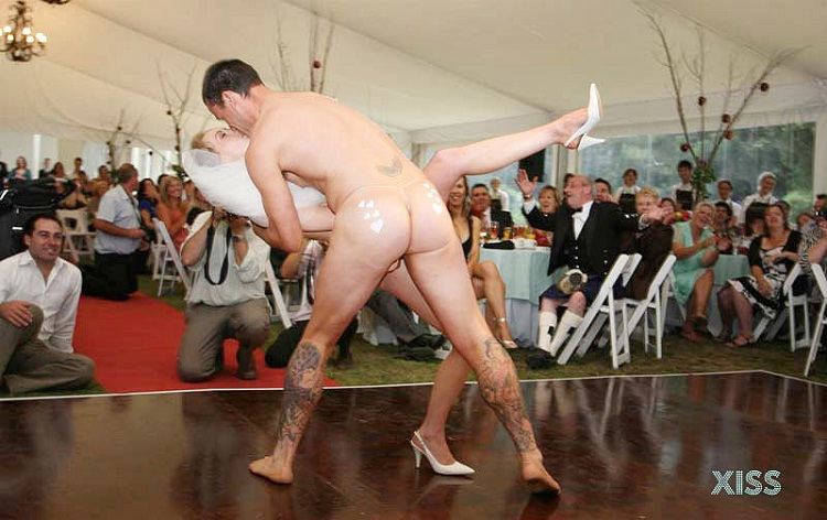Naked First Dance-12 Bizarre Naked Events Ever
