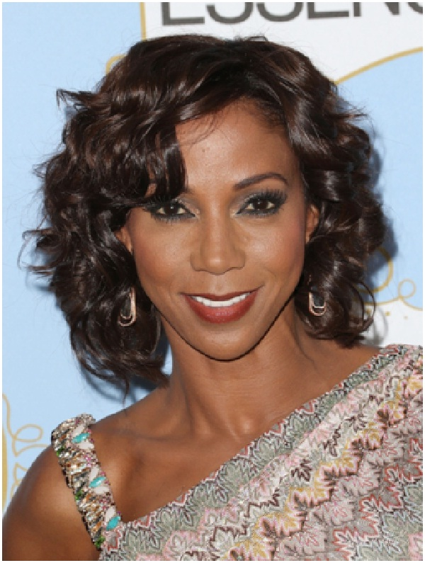 Holly Robinson Peete-Celebrities Who Are Twitter Addicts
