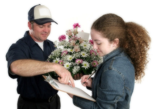 Flower Delivery-Best Gifts To Give Your Girlfriend