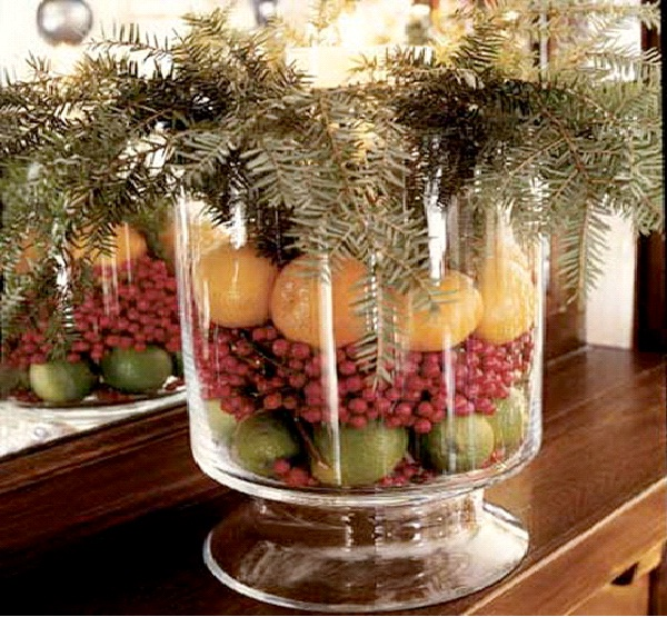 Fruits and Pine-Christmas Decoration Ideas