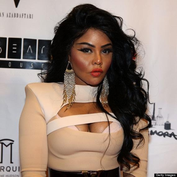 Lil' Kim-24 Celebrities Who Had Breast Implants