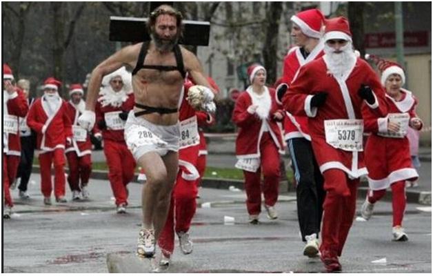Marathon Santa-Hilarious Santa Claus Fails