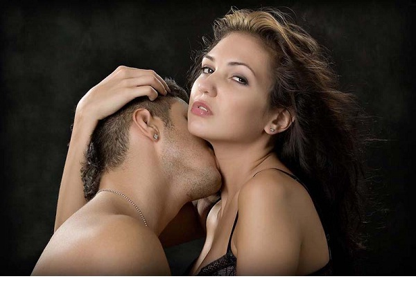 Neck kiss-Different Kisses And Their Meanings