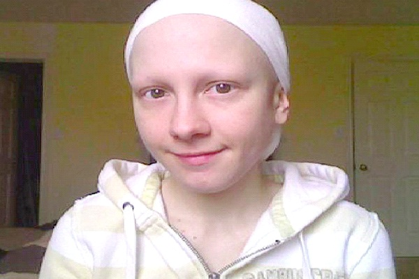 Ashley Kirilow - Charity-People Who Faked Cancer For Cash