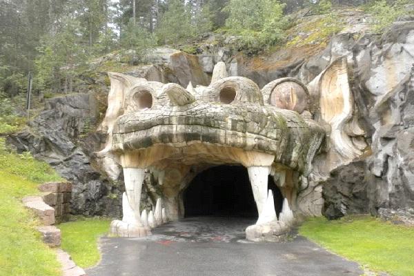 Tusenfryd Amusement Park Ride - Oslo, Norway-Amazing Entrances