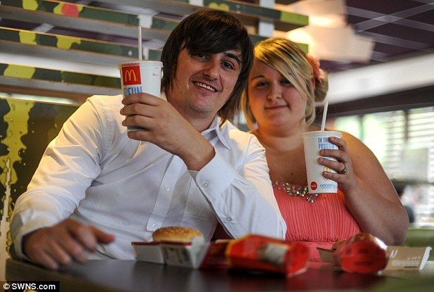 The relaxed party-Pics Of People Getting Married In McDonalds