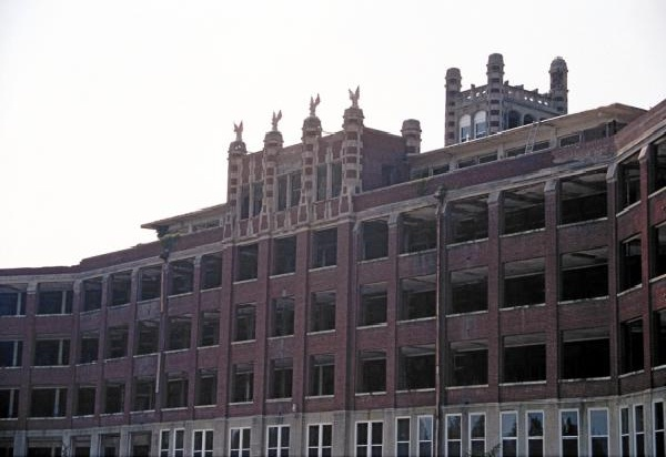 Waverly Hills Sanatorium, Louisville, KY-Most Haunted Places In USA