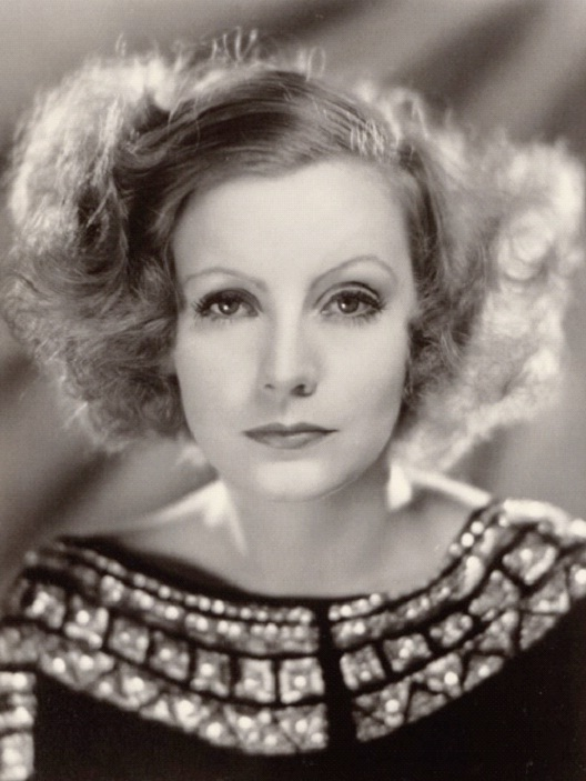 Greta Garbo-Hottest Celebrities Who Are Lesbians