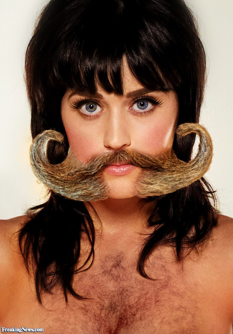 Christina Ricci-24 Hilarious Female Celebrities With Beard Photos