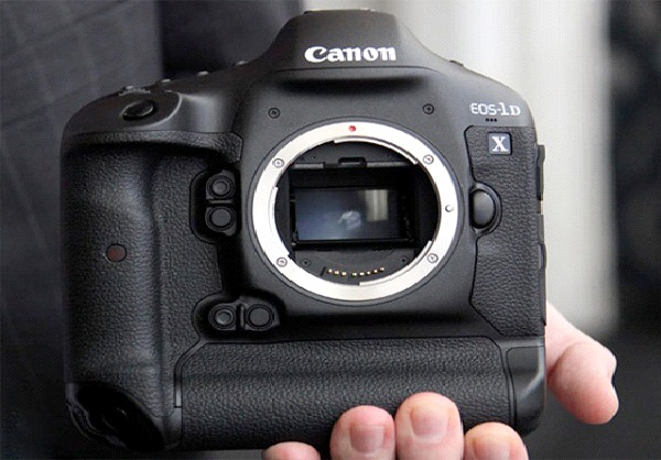Canon EOS 1D X-Best DSLR Cameras To Buy