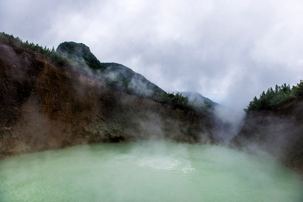 Boiling Lake, Dominica-Most Amazing Lakes On Earth