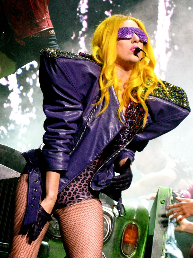 Lady Gaga-WTF Live Performance Pics