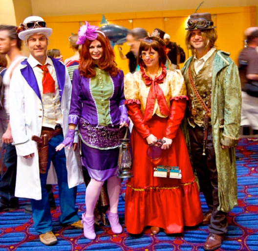 The Gang In The 18th Century-24 Best Scooby Doo Cosplays Ever