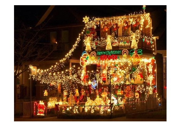 Extreme christmas lights worst christmas decorations ever for Bad christmas decoration