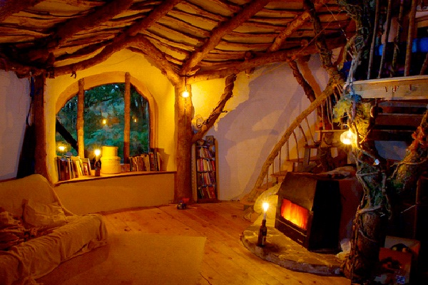 Real Life Hobbit Homes - Pembrokeshire, Wales-Unusual And Unbelievable Underground Places