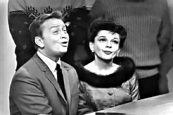The Christmas Song - Judy Garland & Mel Torme-Best Christmas Duets