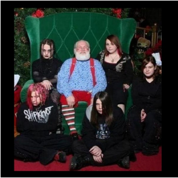 Odd Man Out Santa-Hilarious Santa Claus Fails