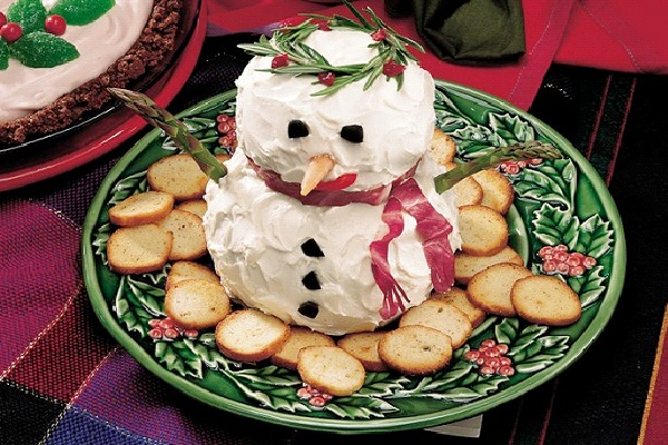 Snowman Cheese Ball-Christmas Recipes