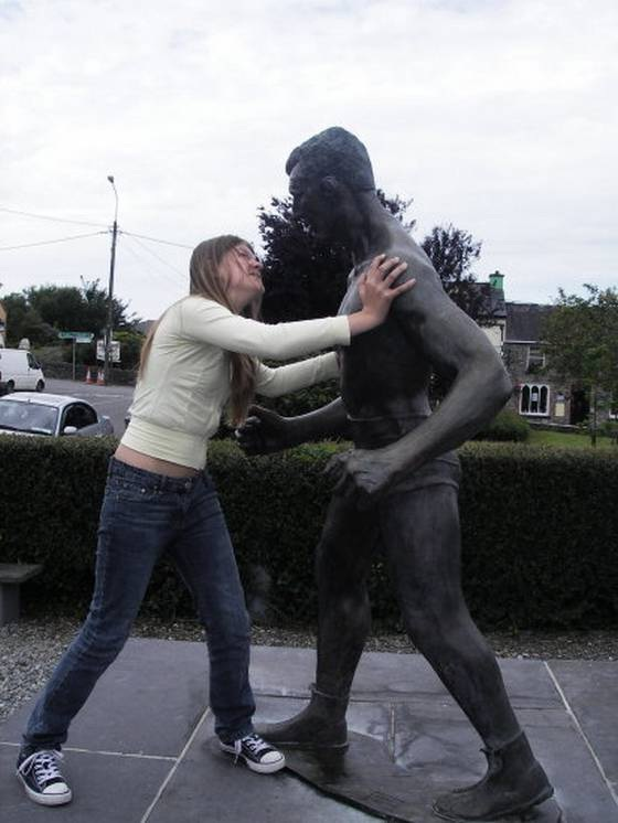 Useful Statues-People Being Nasty With Statues