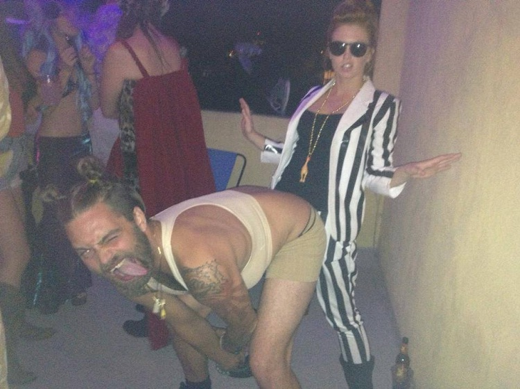 Is That Allowed?-Guys Who Absolutely Nailed Miley Cyrus's Costumes