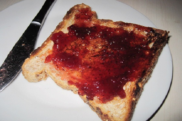 Toast And Jelly-Best Things To Eat With Milk
