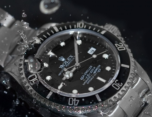 Rolex & Water-How To Spot A Fake Rolex