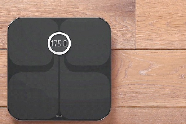 Fitbit Aria Wi-Fi Smart Scale-Christmas Gift Ideas