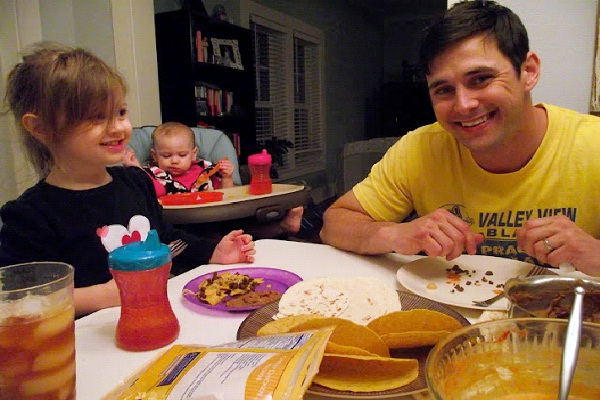 Eat Dinner Together-Tips To Become A Perfect Parent
