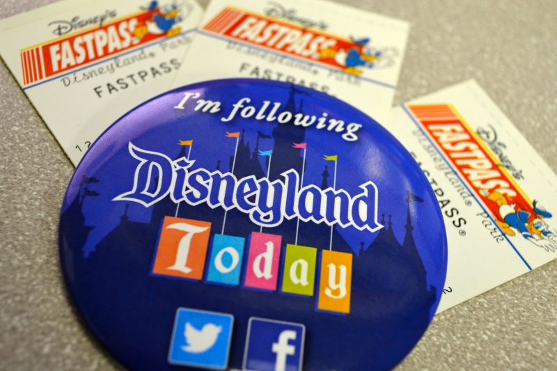 Strict Social Media Rules-15 Disney Secret Employee Rules You Don't Know