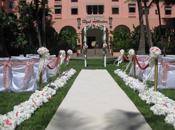 The Royal Hawaiian Pink Palace, Oahu-24 Most Beautiful Wedding Locations In Hawaii