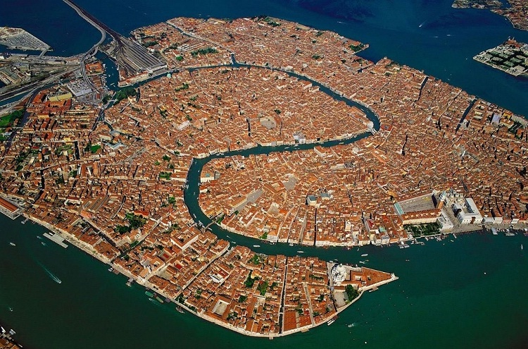 Venice-How Our World Appears To A Bird