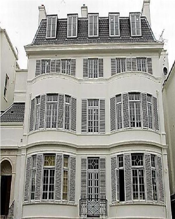 Franchuck Villa-Amazing Mansions