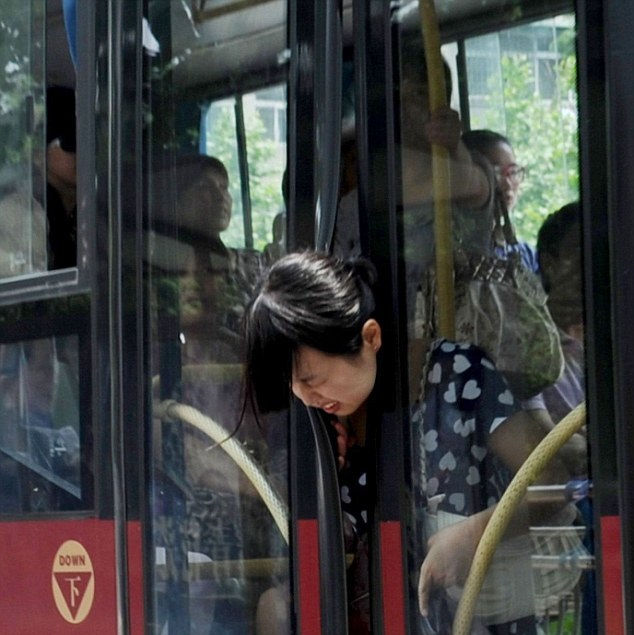 When the Whole World Works Against You, Including Lifeless Buses!-15 Most Awkward Public Transport Pictures